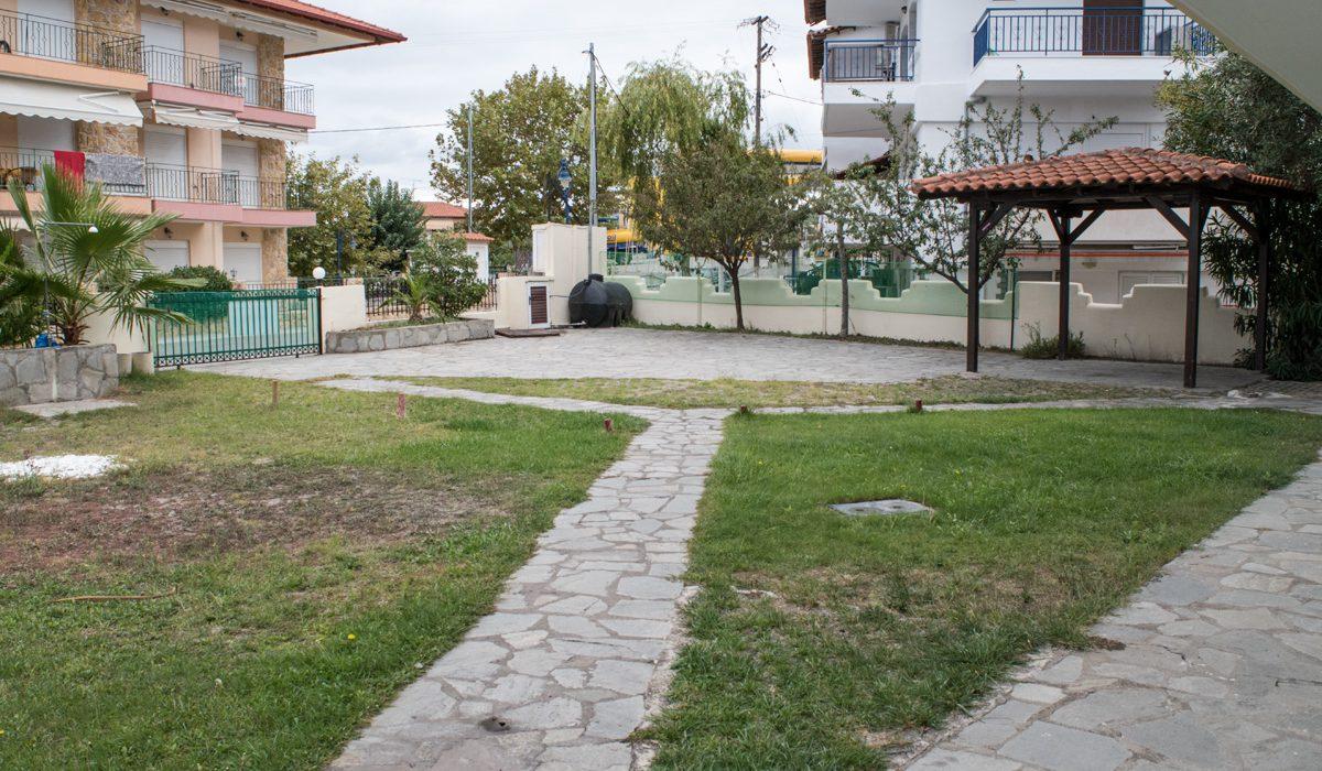 hanioti vila triandafilos