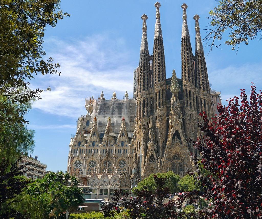 Barselona Divan Dan